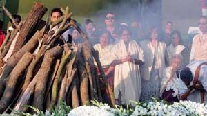 Необычные похоронные ритуалы
